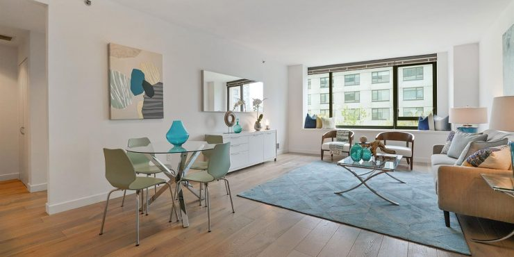250 King Street #506 • Stylish & Spacious